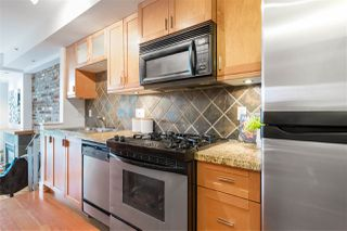 """Photo 12: 112 2515 ONTARIO Street in Vancouver: Mount Pleasant VW Condo for sale in """"ELEMENTS"""" (Vancouver West)  : MLS®# R2473031"""