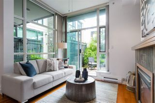 """Photo 3: 112 2515 ONTARIO Street in Vancouver: Mount Pleasant VW Condo for sale in """"ELEMENTS"""" (Vancouver West)  : MLS®# R2473031"""