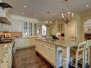 Photo 9: 3280 Uplands Rd in : OB Uplands Single Family Detached for sale (Oak Bay)  : MLS®# 854093
