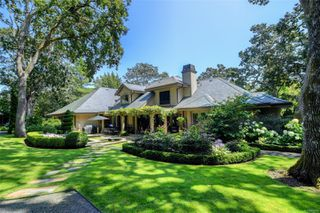 Photo 2: 3280 Uplands Rd in : OB Uplands Single Family Detached for sale (Oak Bay)  : MLS®# 854093