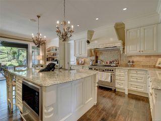 Photo 10: 3280 Uplands Rd in : OB Uplands Single Family Detached for sale (Oak Bay)  : MLS®# 854093