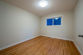 Photo 11: 6315 4 Street NW in Calgary: Thorncliffe Semi Detached for sale : MLS®# A1040867