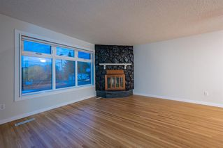 Photo 4: 6315 4 Street NW in Calgary: Thorncliffe Semi Detached for sale : MLS®# A1040867
