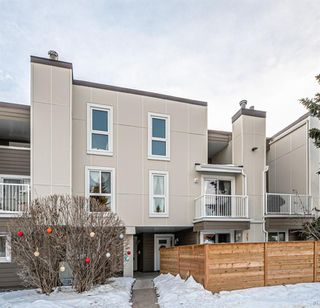 Photo 2: 103 13104 Elbow Drive SW in Calgary: Canyon Meadows Row/Townhouse for sale : MLS®# A1059870