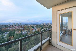 Photo 8: 2701 6837 STATION HILL Drive in Burnaby: South Slope Condo for sale (Burnaby South)  : MLS®# R2528773