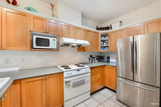 Photo 4: 2701 6837 STATION HILL Drive in Burnaby: South Slope Condo for sale (Burnaby South)  : MLS®# R2528773