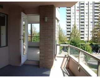 "Photo 8: 403 5885 OLIVE Avenue in Burnaby: Metrotown Condo for sale in ""METROPOLITAN"" (Burnaby South)  : MLS®# V669053"