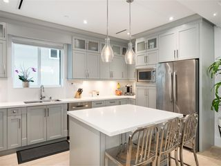 Photo 6: 1348 E 7TH Avenue in Vancouver: Grandview Woodland House 1/2 Duplex for sale (Vancouver East)  : MLS®# R2395277