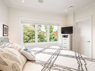 Photo 9: 1348 E 7TH Avenue in Vancouver: Grandview Woodland House 1/2 Duplex for sale (Vancouver East)  : MLS®# R2395277
