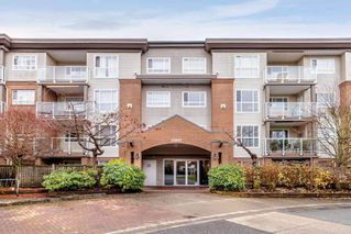 "Main Photo: 111 15895 84 Avenue in Surrey: Fleetwood Tynehead Condo for sale in ""ABBEY ROAD"" : MLS®# R2420915"