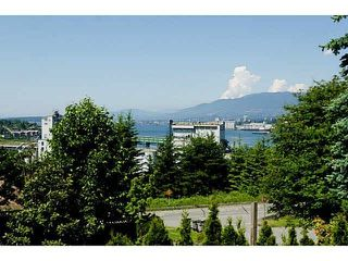 Main Photo: 3586 TRINITY Street in Vancouver: Hastings Sunrise House for sale (Vancouver East)  : MLS®# R2423478