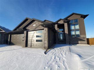 Photo 2: 734 Ledingham Place in Saskatoon: Rosewood Residential for sale : MLS®# SK795761
