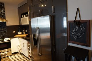 Photo 2: 2 7205 97 Street in Edmonton: Zone 17 Townhouse for sale : MLS®# E4185192