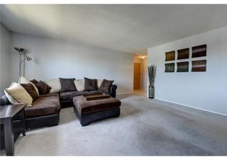 Photo 3: 11 6203 BOWNESS Road NW in Calgary: Bowness Apartment for sale : MLS®# C4300246