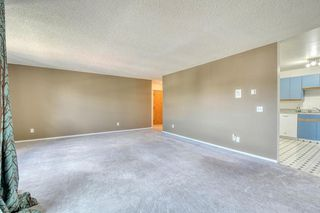 Photo 8: 11 6203 BOWNESS Road NW in Calgary: Bowness Apartment for sale : MLS®# C4300246