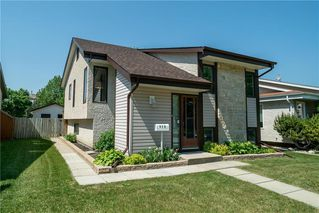 Photo 2: 579 Paddington Road in Winnipeg: River Park South Residential for sale (2F)  : MLS®# 202009510
