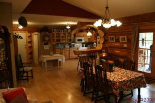 Photo 3: 1240 Morgan Drive: Scotch Creek Residential Detached for sale (North Shore, Shuswap Lake)  : MLS®# 9180045