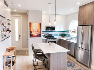 Photo 2: 102 3318 Radiant Way in Langford: La Happy Valley Row/Townhouse for sale : MLS®# 841190