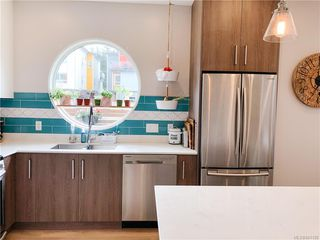 Photo 4: 102 3318 Radiant Way in Langford: La Happy Valley Row/Townhouse for sale : MLS®# 841190