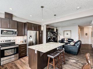 Photo 5: 125 NEW BRIGHTON Park SE in Calgary: New Brighton Detached for sale : MLS®# A1028235