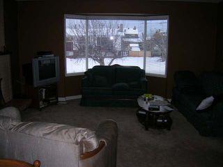 Photo 4: 965 OLLEK STREET in Kamloops: North Shore Residential Detached for sale : MLS®# 100618
