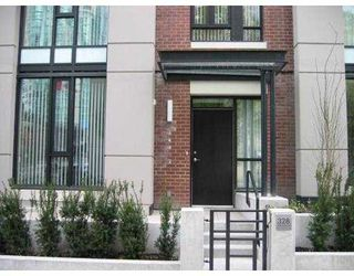 """Photo 1: 328 SMITHE Street in Vancouver: Downtown VW Townhouse for sale in """"YALETOWN PARK II"""" (Vancouver West)  : MLS®# V650467"""
