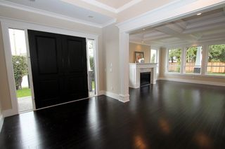 Photo 3: 5690 Crescent Drive in Ladner: House for sale : MLS®# V878339