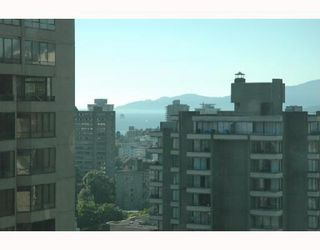 """Photo 8: 2107 1331 ALBERNI Street in Vancouver: West End VW Condo for sale in """"THE LIONS"""" (Vancouver West)  : MLS®# V667911"""