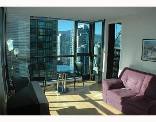 """Photo 2: 2107 1331 ALBERNI Street in Vancouver: West End VW Condo for sale in """"THE LIONS"""" (Vancouver West)  : MLS®# V667911"""