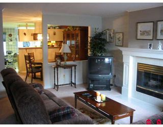 "Photo 2: 101 7837 120A Street in Surrey: West Newton Townhouse for sale in ""Berkshyre Gardens"" : MLS®# F2812158"
