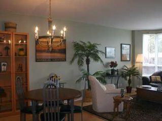 """Photo 3: 303 1688 CYPRESS ST in Vancouver: Kitsilano Condo for sale in """"YORKVILLE SOUTH"""" (Vancouver West)  : MLS®# V605658"""