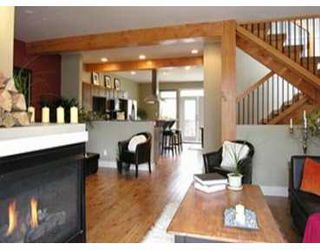 """Photo 1: 39760 GOVERNMENT Road in Squamish: Northyards Townhouse for sale in """"ARBOURWOODS"""" : MLS®# V630877"""