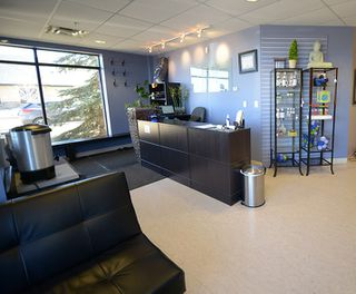 Photo 3: 10 20 Circle Drive: St. Albert Business with Property for sale : MLS®# E4167839