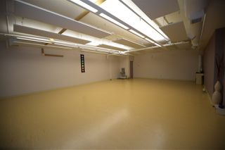 Photo 19: 10 20 Circle Drive: St. Albert Business with Property for sale : MLS®# E4167839