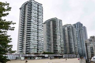 """Photo 3: 3005 892 CARNARVON Street in New Westminster: Downtown NW Condo for sale in """"AZURE II AT PLAZA 88"""" : MLS®# R2500077"""