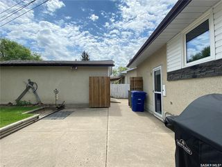 Photo 32: 99 Spinks Drive in Saskatoon: West College Park Residential for sale : MLS®# SK828106