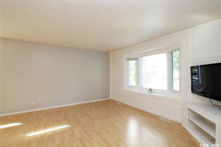Photo 3: 99 Spinks Drive in Saskatoon: West College Park Residential for sale : MLS®# SK828106