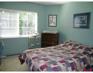 "Photo 8: 8675 WALNUT GROVE Drive in Langley: Walnut Grove Townhouse for sale in ""Cedar Creek"" : MLS®# F2707855"