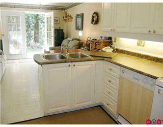 "Photo 5: 8675 WALNUT GROVE Drive in Langley: Walnut Grove Townhouse for sale in ""Cedar Creek"" : MLS®# F2707855"