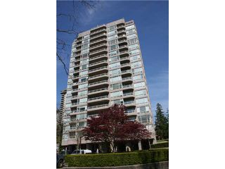 """Photo 1: # 308 9633 MANCHESTER DR in Burnaby: Cariboo Condo for sale in """"STRATHMORE TOWERS"""" (Burnaby North)  : MLS®# V822824"""