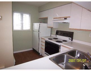 "Photo 3: 209 643 W 7TH Avenue in Vancouver: Fairview VW Condo for sale in ""COURTYARDS"" (Vancouver West)  : MLS®# V651448"