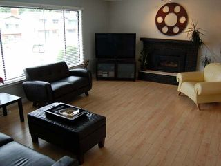 Photo 2: 104 CLELAND DRIVE in Penticton: Residential Detached for sale : MLS®# 131405