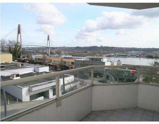 "Photo 9: 200 328 CLARKSON Street in New_Westminster: Downtown NW Condo for sale in ""HIGHBOURNE TOWER"" (New Westminster)  : MLS®# V706591"