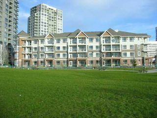 "Photo 2: 3651 FOSTER Ave in Vancouver: Collingwood VE Condo for sale in ""FINALE"" (Vancouver East)  : MLS®# V626644"