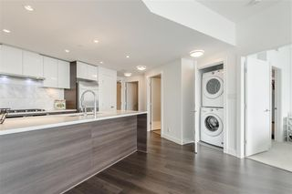 """Photo 3: 1011 3557 SAWMILL Crescent in Vancouver: South Marine Condo for sale in """"ONE TOWN CENTRE"""" (Vancouver East)  : MLS®# R2396702"""