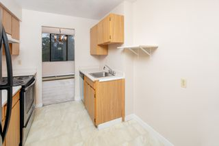 """Photo 11: 305 2060 BELLWOOD Avenue in Burnaby: Brentwood Park Condo for sale in """"Vantage Point II"""" (Burnaby North)  : MLS®# R2412272"""