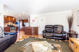 Photo 9: 20678 90A Avenue in Langley: Walnut Grove House for sale : MLS®# R2447561