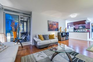 """Photo 6: 1908 1033 MARINASIDE Crescent in Vancouver: Yaletown Condo for sale in """"QUAYWEST"""" (Vancouver West)  : MLS®# R2467788"""