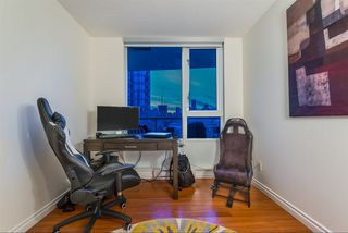 """Photo 19: 1908 1033 MARINASIDE Crescent in Vancouver: Yaletown Condo for sale in """"QUAYWEST"""" (Vancouver West)  : MLS®# R2467788"""