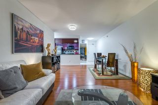 """Photo 10: 1908 1033 MARINASIDE Crescent in Vancouver: Yaletown Condo for sale in """"QUAYWEST"""" (Vancouver West)  : MLS®# R2467788"""